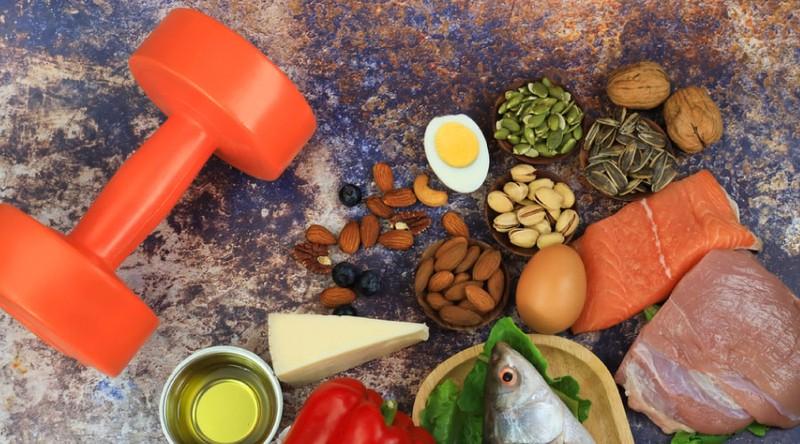 برای عضله سازی چه موقع از روز پروتئین مصرف کنیم؟