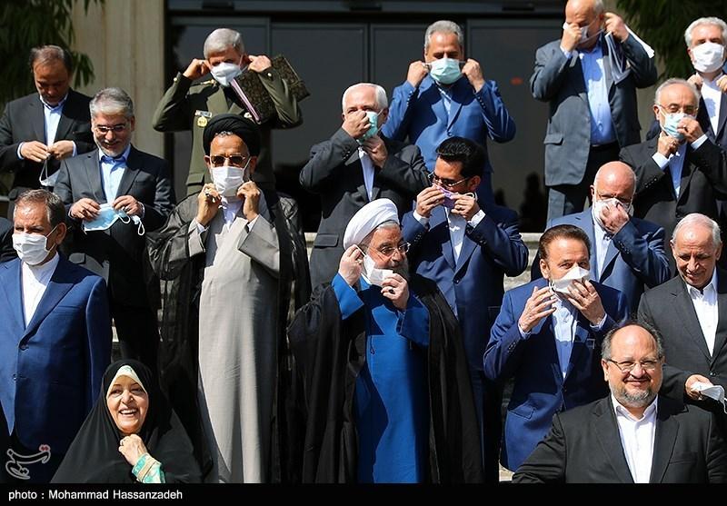 برداشتن ماسک ها برای آخرین عکس یادگاری دولت تدبیر + عکس