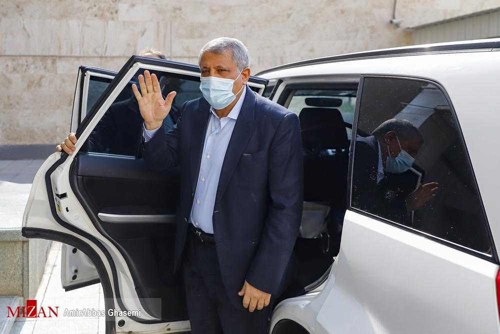 خودروی شاسی بلند محسن هاشمی در آخرین جلسه شورای شهر + عکس