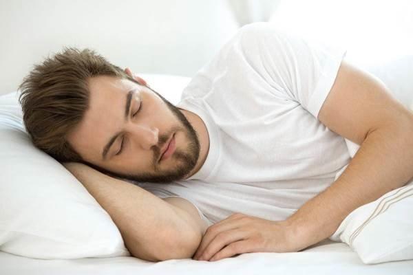 نکاتی برای راحت خوابیدن در هوای خیلی گرم که باید بدانید
