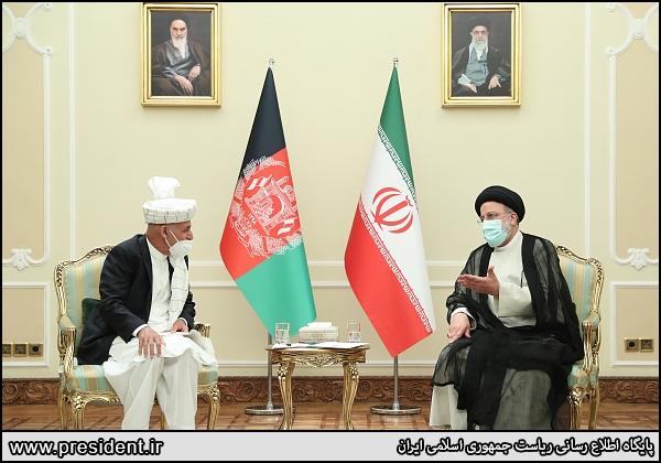 لباس سنتی رئیس جمهور افغانستان در دیدار رئیسی + عکس