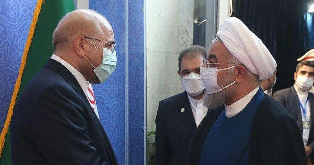 رفتار نامتعارف روحانی در هنگام حضور در مجلس + عکس
