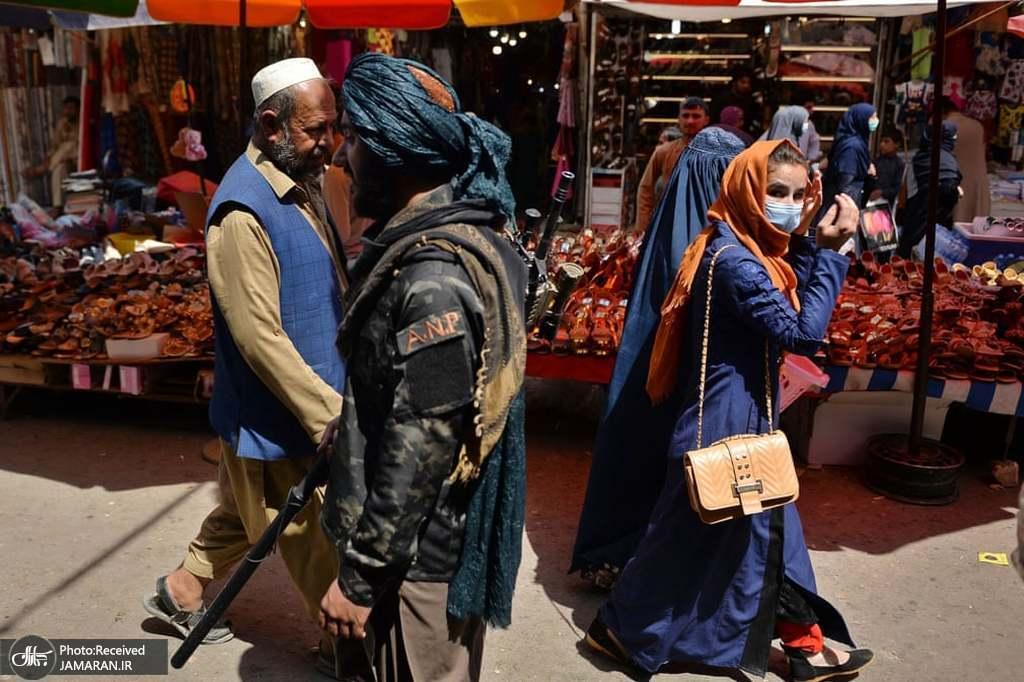 حضور طالبان و مردم در بازار کابل + عکس