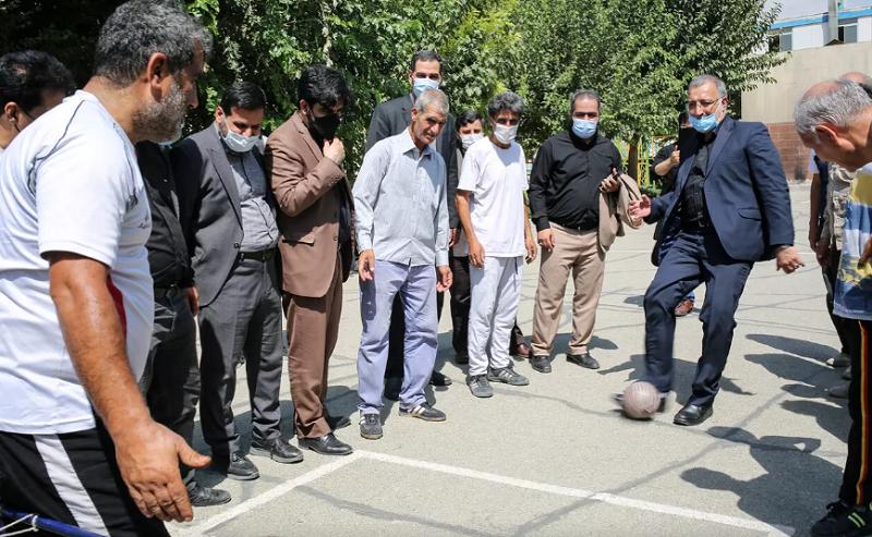 توپ بازی شهردار جدید تهران! + عکس