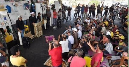 اعتراض به کمبود سوخت به سبک لبنانی + عکس