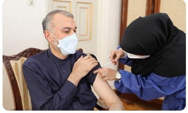 دریافت دز دوم واکسن کووبرکت توسط وزیر امور خارجه+عکس
