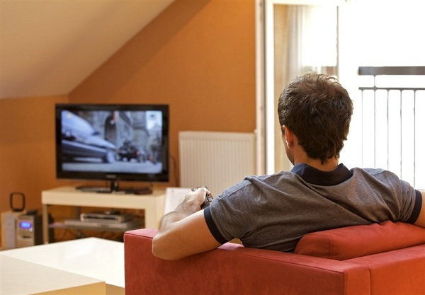چند ساعت تماشای تلویزیون سبب سکته مغزی می شود؟