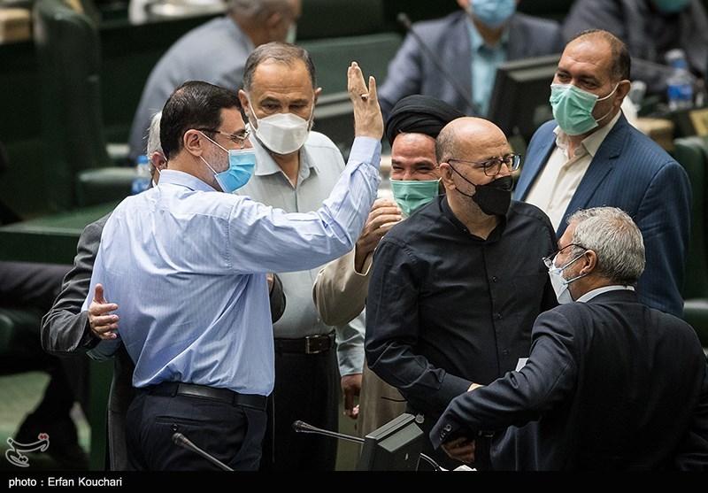 استعفای قاضیزاده هاشمی از مجلس + عکس