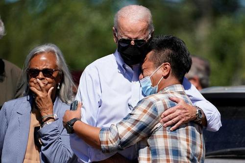 بازدید رییس جمهوری آمریکا از سیل زدگان توفان