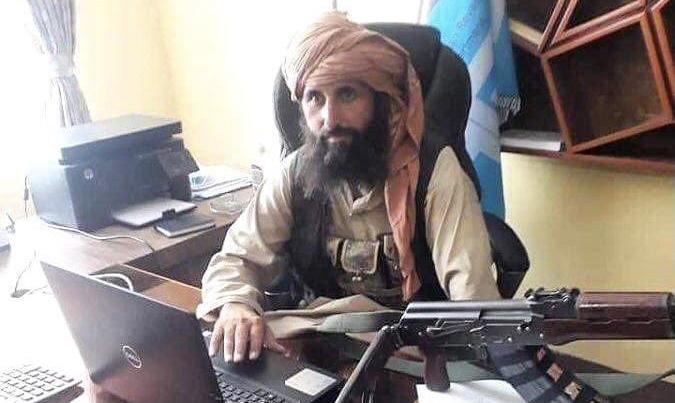 رئیس بانک مرکزی طالبان افغانستان در دفتر کارش! + عکس