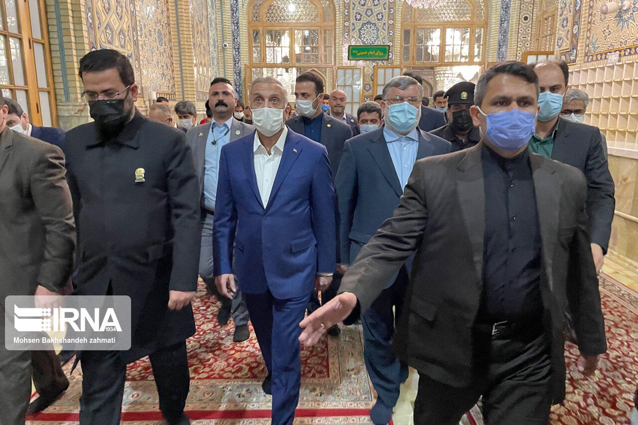 تشرف نخست وزیر عراق به حرم امام رضا(ع) + عکس