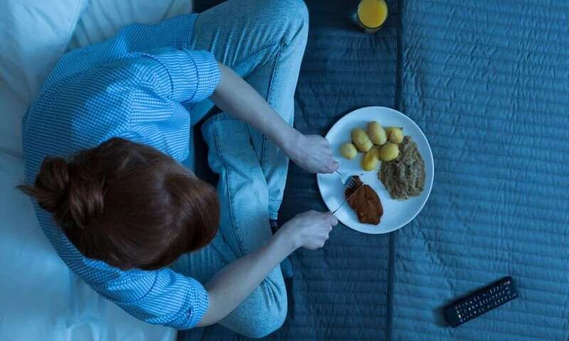 بامصرف ۸ ماده غذایی قبل از خواب سریع لاغر شوید