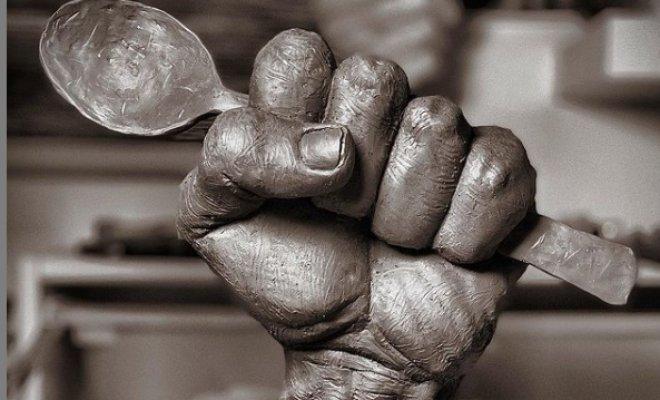 قاشق آزادی؛ اثر هنری مجسمهساز کویتی برای اسیران فلسطینی + عکس