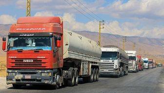 استقبال زن لبنانی از تانکرهای حمل سوخت ایرانی + عکس