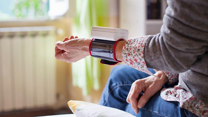 پرفشاری خون در خانم ها بیشتر چه زمانی رخ می دهد؟