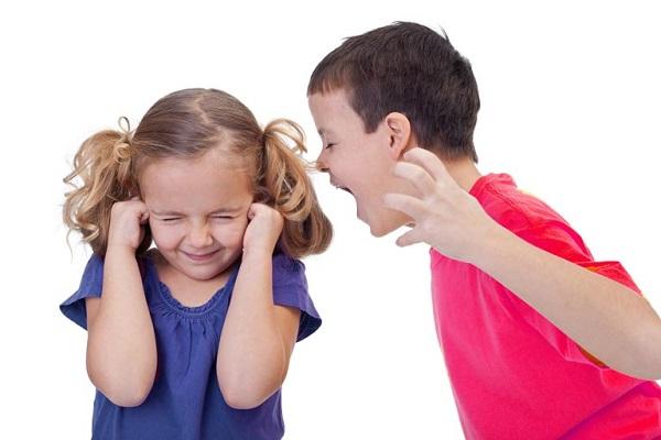 ریشه اصلی پرخاشگری کودکان که به آن بی توجهید