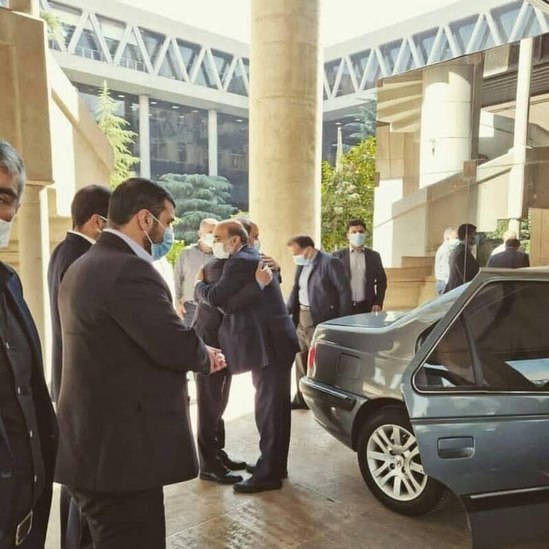 استقبال از رییس جدید صداو سیما بدون رعایت فاصلهگذاری!  + عکس