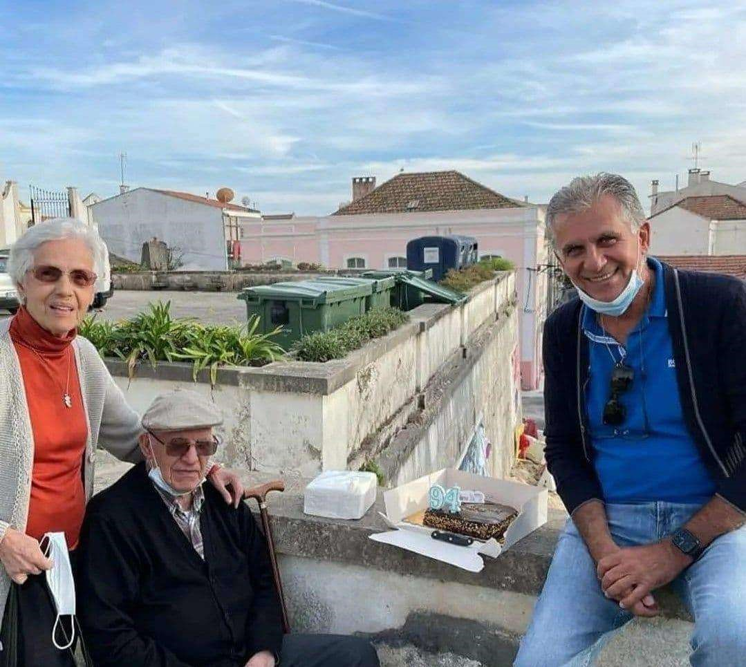کارلوس کیروش و کیک تولد ۹۴ سالگی+عکس