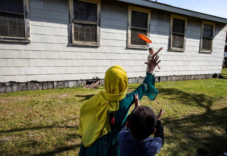سرگرمی پناهجویان افغان در ویسکانسین آمریکا + عکس