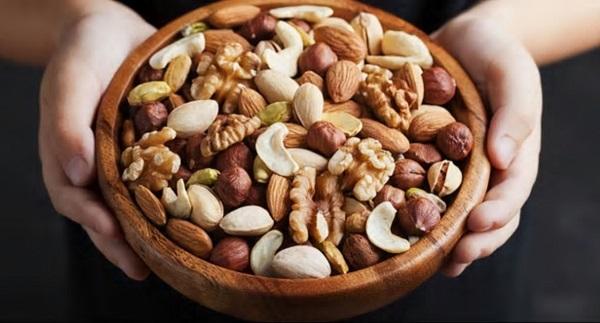 خوراکی هایی که سالمندان مبتلا به بیماری کووید 19باید مصرف کنند