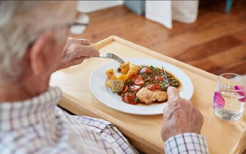 هرم تغذیه در دوره سالمندی+ اینفوگرافیک
