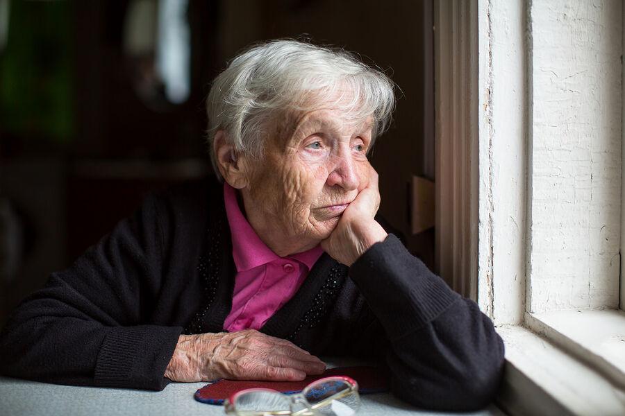 نشانه های افسردگی در سالمندان + راهکارهای رهایی از آن