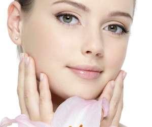عوارض غیر قابل جبران مکمل های پوست که بدون انجام آزمایش خون مصرف می شوند!