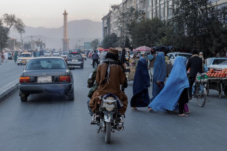 گشت زنی طالبان در کابل + عکس