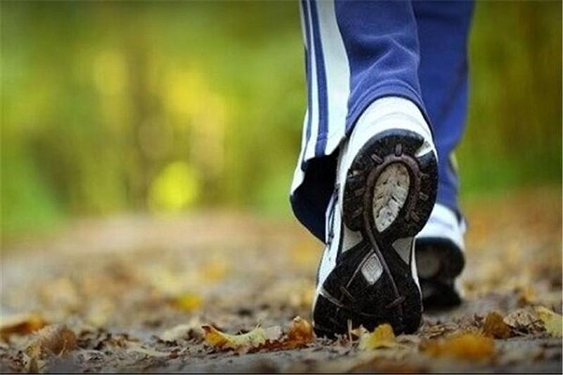 باشکم خالی پیاده روی کنیم یا با شکم پر؟