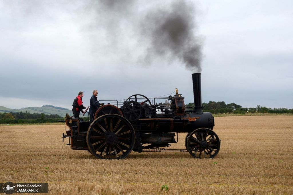 مسابقه شخم زدن زمین با موتورهای بخار + عکس