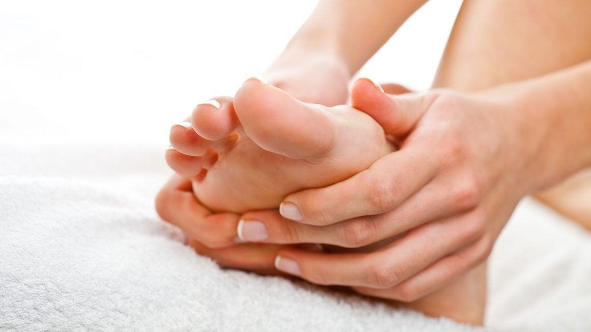 علت حس سوختن کف پاها