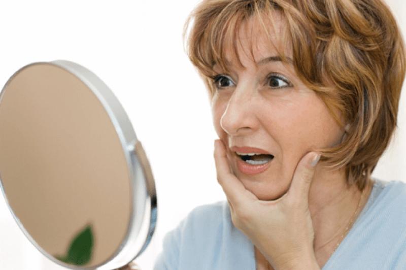 ده اشتباه روزمره که زودتر پیرتان میکند