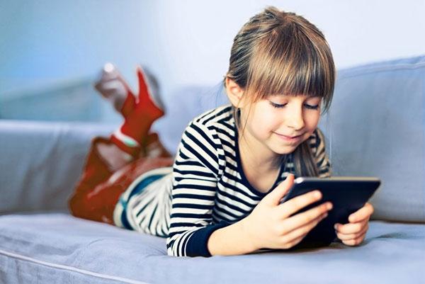 تاثیرات مخرب تکنولوژی بر کودکان+ اینفوگرافی