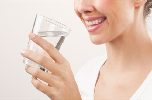 تاثیر نوشیدن آب برای لاغری و کاهش وزن