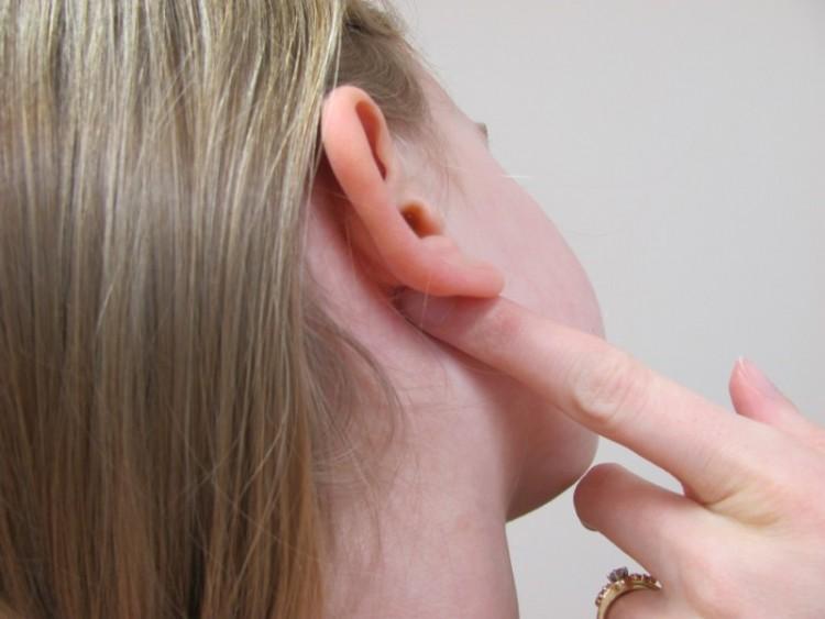 دلایل عفونت گوش! تشخیص و درمان آن