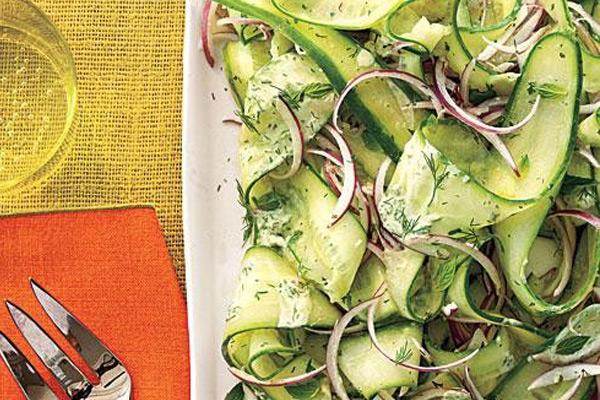 سالاد خیار و سبزیجات معطر