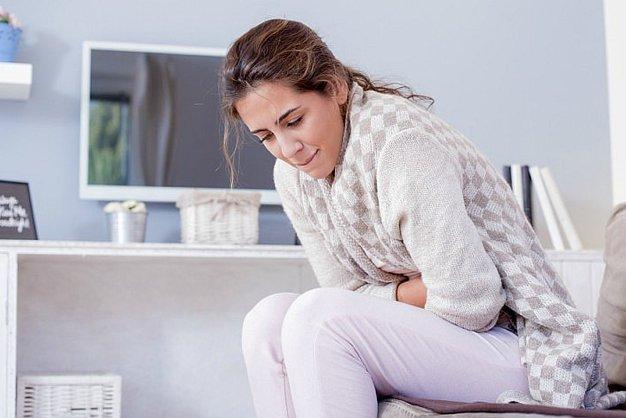 علل شکم درد در زنان