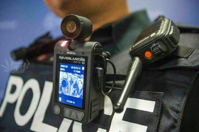 عکس منتشر شده از لباس های دوربین دار پلیس گشت