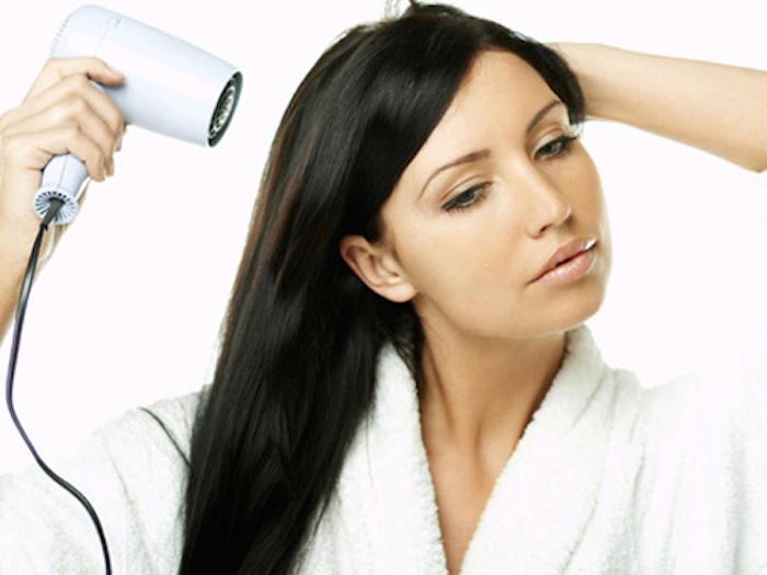 اصول صحیح سشوار کشیدن مو