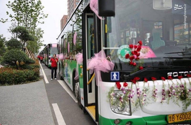 ماشین عروس متفاوت یک زوج چینی