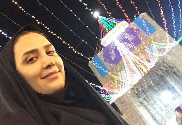 حجاب مجری معروف تلویزیون در یک مکان مقدس + عکس
