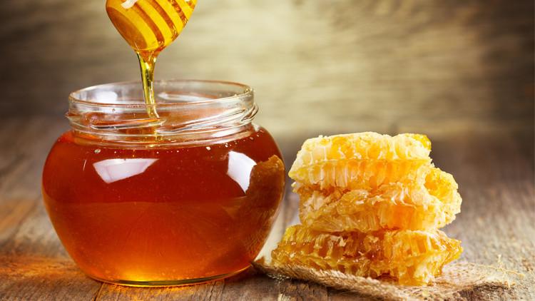 چگونه «عسل طبیعی» را از عسل تقلبی تشخیص دهیم