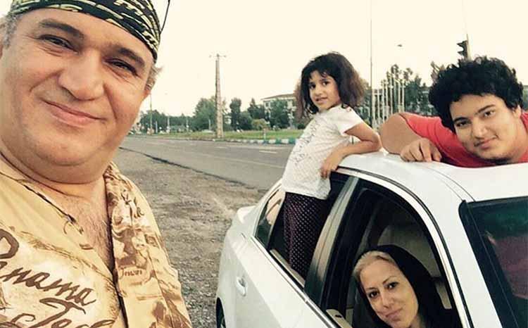 نادر سلیمانی در کنار همسر و فرزندانش + عکس