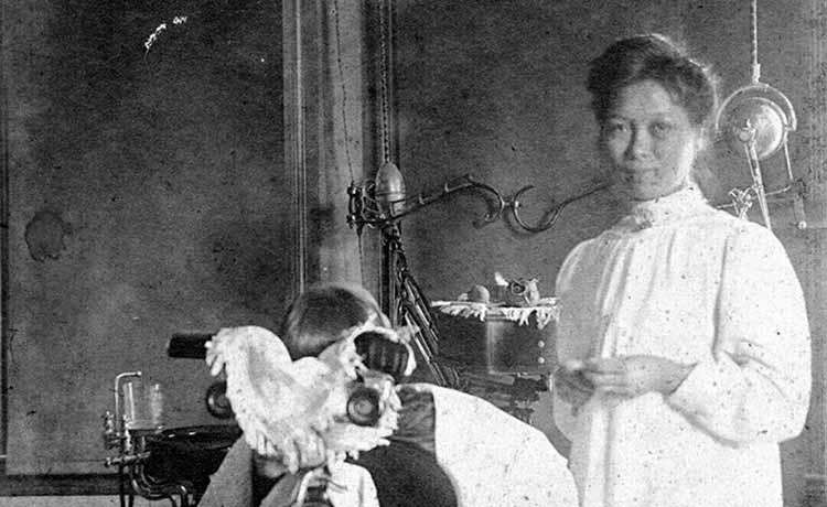 امکانات دندانپزشکی در صد سال پیش + عکس