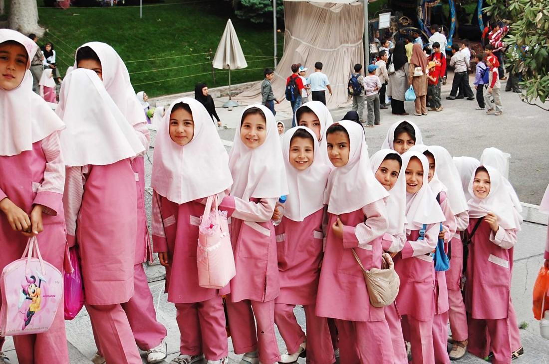 طراحی لباسهای فرم دانش آموزان به سبک مُدهای اسلامی