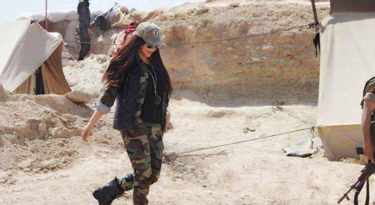 مدلی که در سوریه لباس رزم به تن کرد (+عکس)