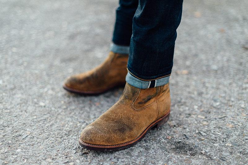 چگونه لکه های روی کفش های جیر را تمیز کنیم