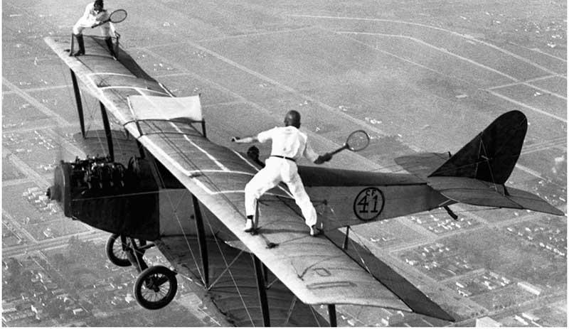 عجیبترین مسابقه هوایی در طول تاریخ! + عکس