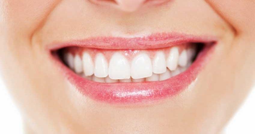چند ترفند طب سنتی جالب برای داشتن دندان های سفید