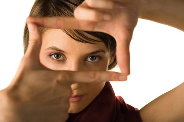 با چشم ها اعتماد دیگران را جلب کنیم